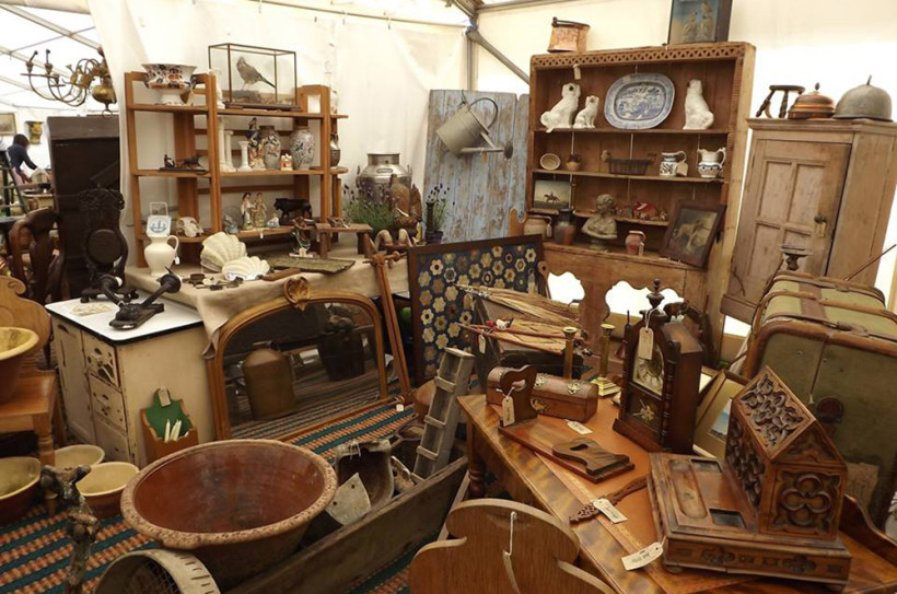 Antiquesintents has a wonderful eclectic mix of antiques to suit all tastes and desires.